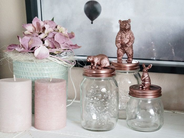 I Wannnt to make these in GOLD!!! Little golden jar animals for, erm, I don't know what exactly but I think it would be divine in my guest bathroom :)