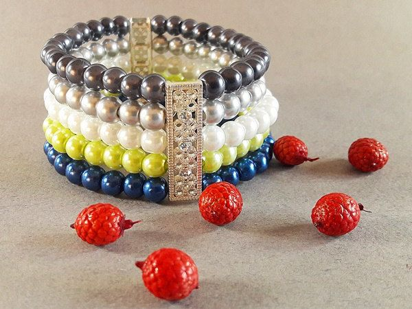 BLACK FRIDAY SALE 50% off with coupon MODO2016 Beaded Bracelet for Woman, Elegant Pearl Bracelet, Gift for Her, Christmas Gift for Woman by modotikon on Etsy