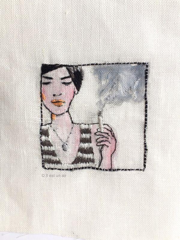 il est un air: Portrait brodé - fumeuse