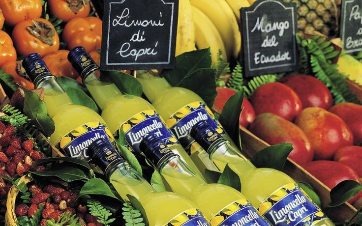 Limoncello di Capri - Local products on Capri: When life gives you lemons, have a limoncello!