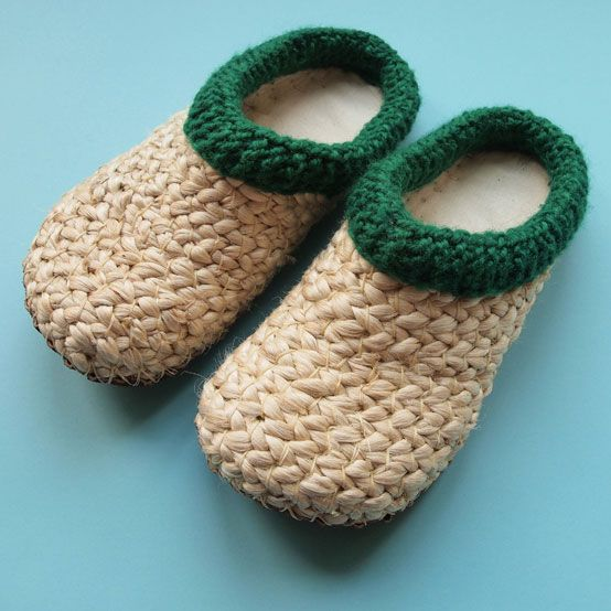 banana leaf slippers with green border   tulsicrafts
