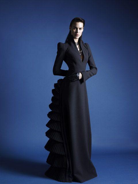 Modern bustle dress? What a beautiful dress!