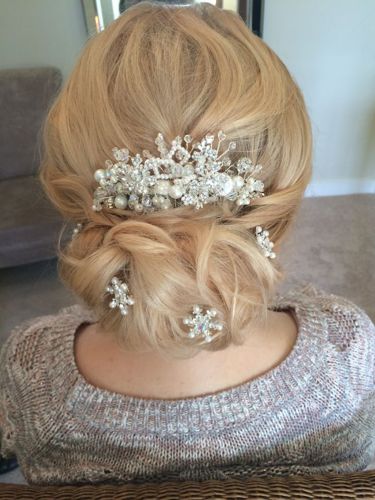 wedding style for hair 25 best ideas about curly bun on curly 4182