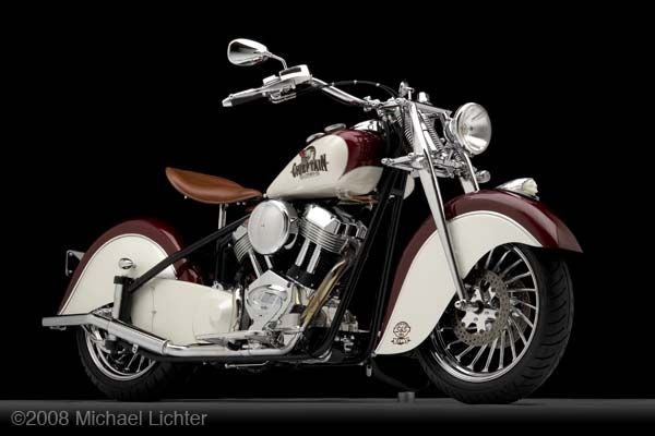 """The Chieftan"" by Kiwi Indian Motorcycle Company http://www.facebook.com/pages/Indian-Chief-Legend/505680782803314 What id the difference beetween Indian and Harley? Harel is for sell Share the love :)"