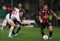 Le PSG a subi sa première défaite de la saison en déplacement en championnat à Nice (2-1) samedi à l'occasion de la 15e journée de Ligue 1. Bordeaux a concédé le nul contre Sochaux (2-2), comme Lille face à Bastia (0-0). Vainqueur de Montpellier (1-0), Lyon conforte sa place de leader avec cinq points d'avance [...]