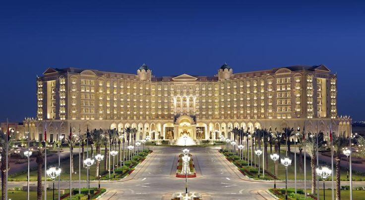 泊ってみたいホテル・HOTEL|サウジアラビア>リヤド>アーチ型の入り口、大理石の廊下が備わる豪華なリヤドのホテル>ザ リッツ カールトン リヤド(The Ritz-Carlton, Riyadh)