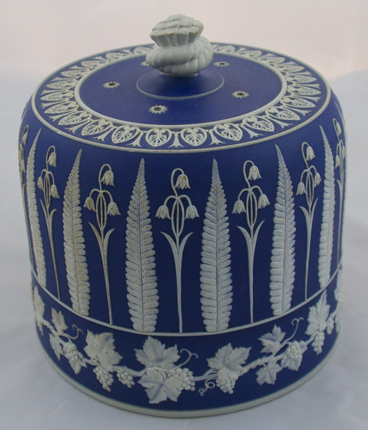 Blue and white Wedgewood cheeze dome.. Wonderful floral design.....