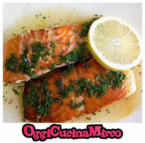 Ricetta semplice e veloce per gustare il salmone in vinaigrette. Oggi Cucina Mirco: ecco la ricetta.