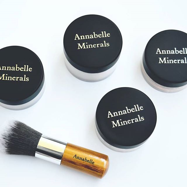 Zakochałam się  @annabelleminerals #annabelleminerals #mineralmakeup #mineralcosmetics #mineralblush #mineralconcealer #mineralfundation #mineralpowder #brush #love #happy #makeup #makijażmineralny