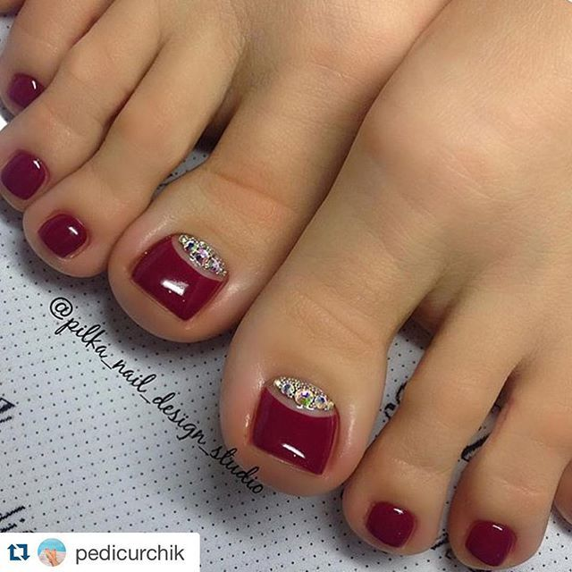Red-Rhinestone Toe Nail Art
