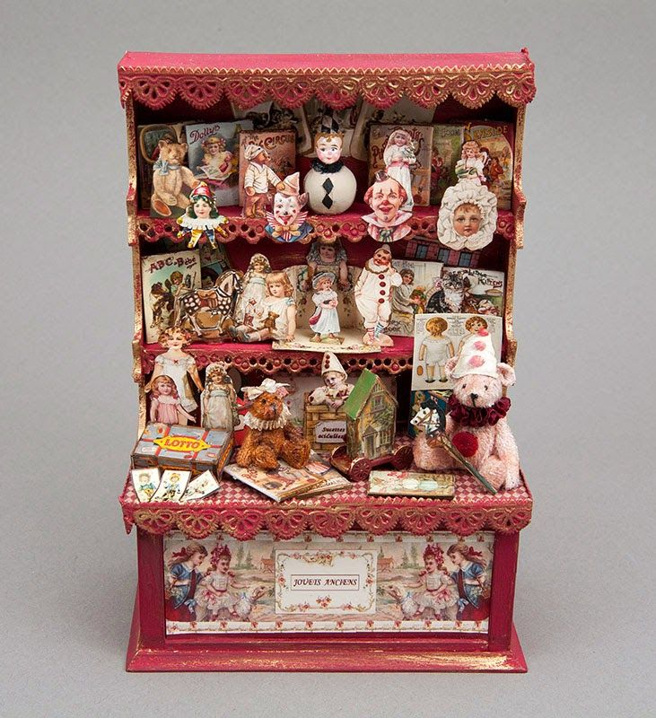 Good Sam Showcase of Miniatures: Dealer Carla Gaustad: Collectibles & Figures