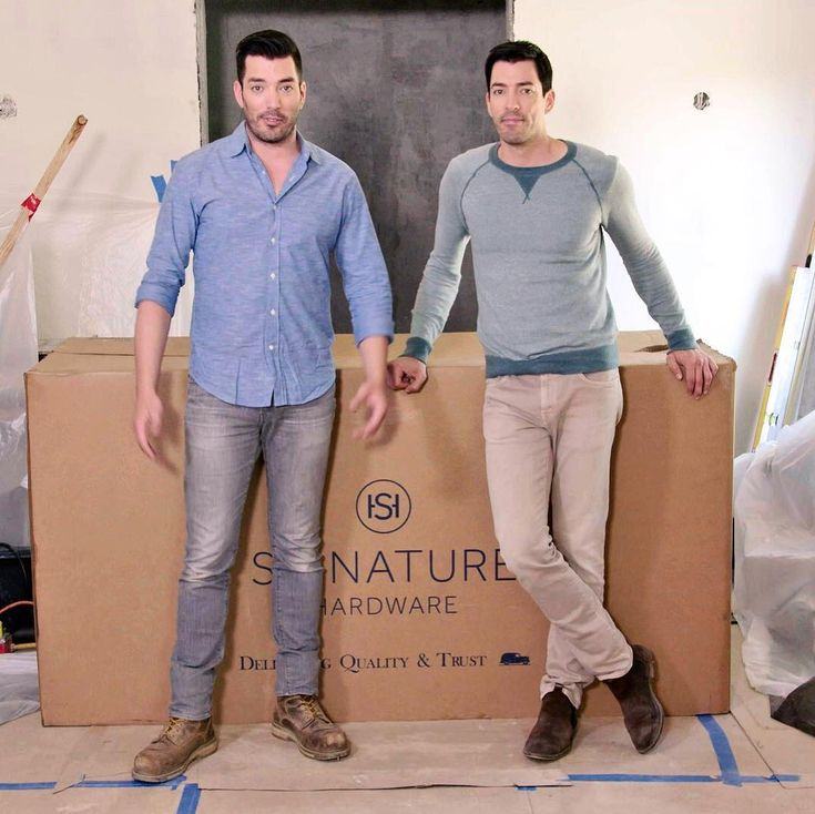 Jonathan Scott and Drew Scott ink new multi-year deal to stay at HGTV   Jonathan Scott and Drew Scott are sticking with HGTV for a while! #DWTS #PropertyBrothers #DrewScott #EmmaSlater @PropertyBrothers