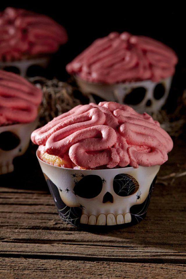 Totenkopf mit Gehirn Muffin Ideen für Halloween