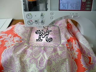 This pillowcase was super easy to make so easy that I let my daughters create their own and choose cute embroidery designs to make it pers. & 129 best Pillowcases images on Pinterest | Sewing ideas Cushions ... pillowsntoast.com