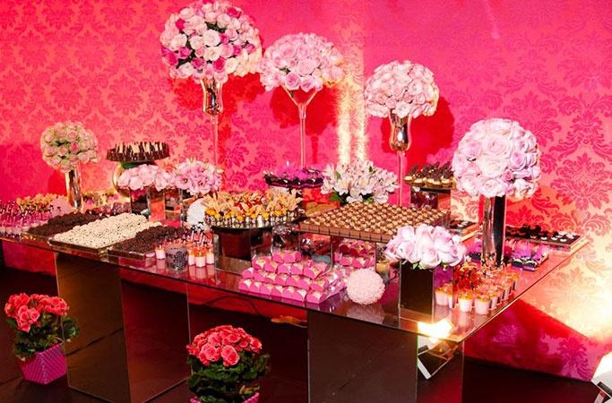 Mesa de doces RosaPink e Dourado