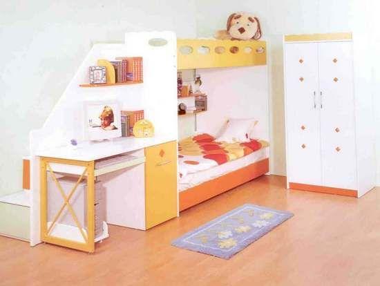 Двухъярусная кровать-чердак. Удобно расположен стол