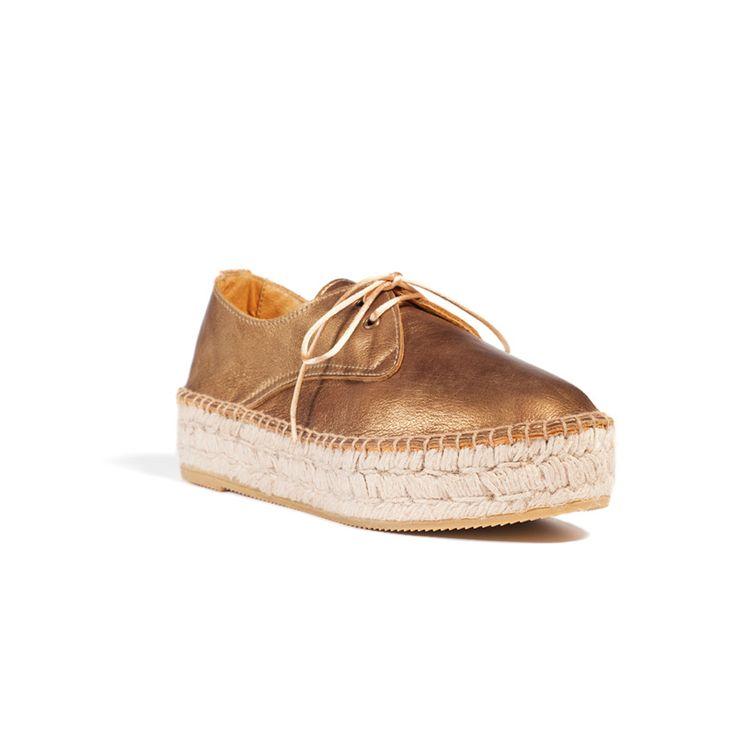 Piel de vacuno metalizada / Metallic cowhide. #Kameleonik #ElenaBenarroch  #Fashion #BasqueCountry #Shoes #HandMade #Craftsmanship #Sustainable  #Alpargatas ...