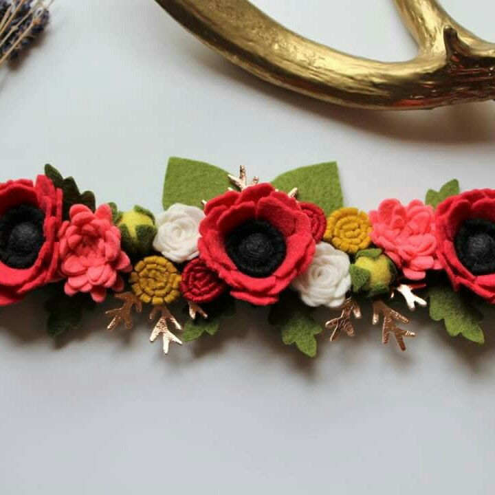 New Flower Crown in the shop! Nouvelle couronne de fleurs en boutique!