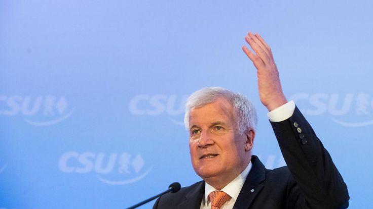 Beseitigung von Doppelstrukturen: Seehofer will ARD und ZDF zusammenlegen