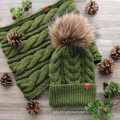 1,304 отметок «Нравится», 28 комментариев — ШАПКИ ВЯЗАНЫЕ ❤️ВАРЕЖКИ СНУДЫ (@knittingbymarymer) в Instagram: «Бесподобный получился комплектна заказ, полушерсть шапка 1900, снуд 2000 #Шапка #зимняяшапка…»