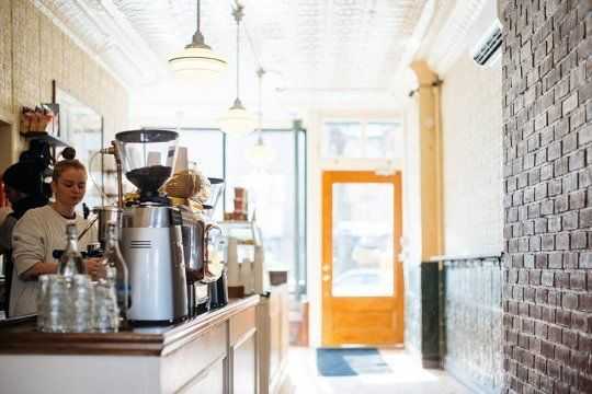 9 Ways to Practice Good Manners at the Coffee Shop