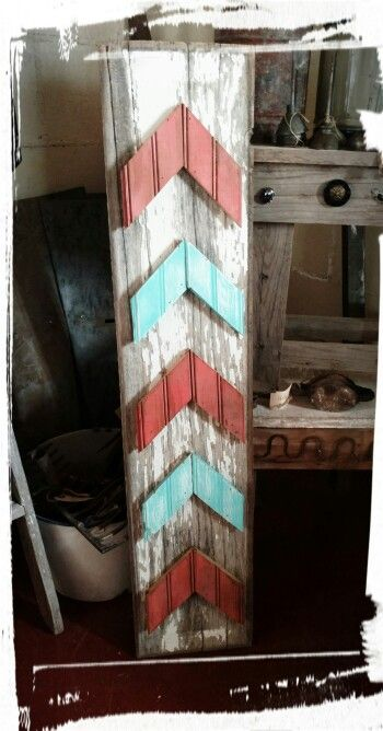 Reclaimed wood, arrow sign.                                                                                                                                                                                 More
