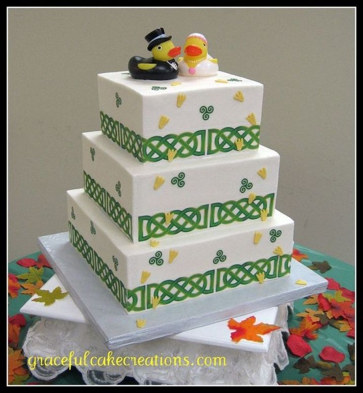 irish-wedding-cake-graceful-cake-creations-via-flickr-irish-mit-irische-hochzeitstorten.jpg 784×850 Pixel