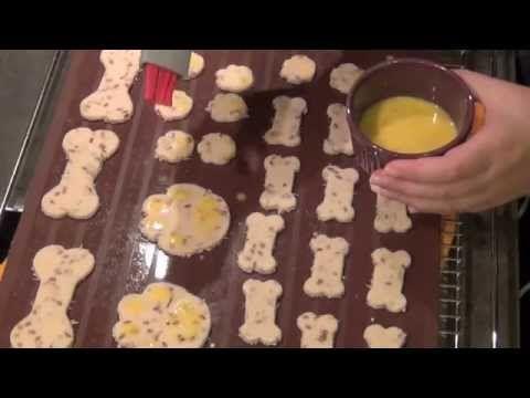 Comment faire des biscuits et des friandises pour chiens?