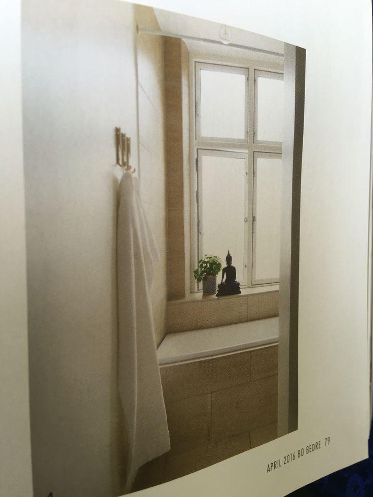 Vi kan bygge ut veggen litt slik at vinduskarm blir dypere.