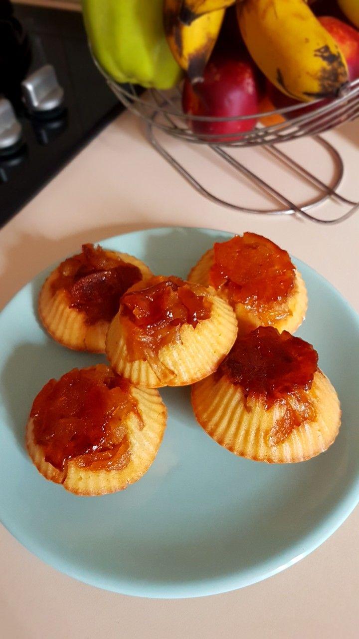 Upside down apple muffins