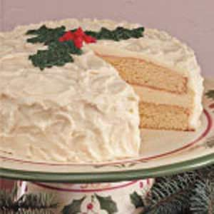 Eggnog Cake Recipe| I will be making this for a Christmas get together sometime! I love eggnog and want to try different things with it! :) Can't wait!