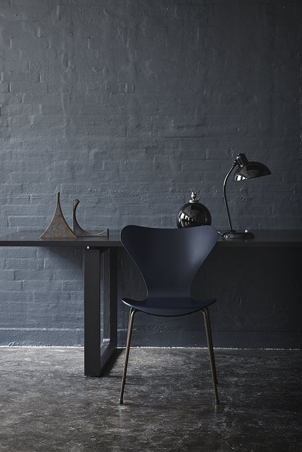 The Anniversary Edition of the Fritz Hansen Series 7 Chair is now available in a luxurious deep blue http://www.nest.co.uk/product/fritz-hansen-series-7-chair-anniversary-edition-dark-blue