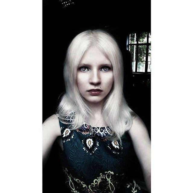 Таня Румянцева, Tanya Rumyantseva, белые волосы, белая кожа, фарфоровая кожа, альбинос, белые брови, белые ресницы, девушка альбинос, натуральные белые волосы, глаза альбиноса, белоснежная кожа, блонд, блондинка, платиновый блонд, красные глаза, альбинизм, white hair, white skin, pale, pale skin, albino, albino girl, white eyebrows, white eyelashes, natural white hair, blond, фиолеовые глаза, platinum blond, albino eyes, albinism, бледная, бледная кожа, violet eyes, red eyes, platinum hair…