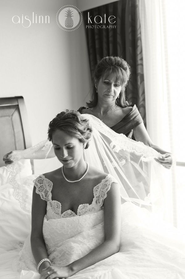 Mother-of-the-Bride + Bride ♡ How to plan a #Wedding ... Photography Guide ♡ https://itunes.apple.com/us/app/the-gold-wedding-planner/id498112599?ls=1=8  ♡ Weddings by Colour ♡ http://www.pinterest.com/groomsandbrides/