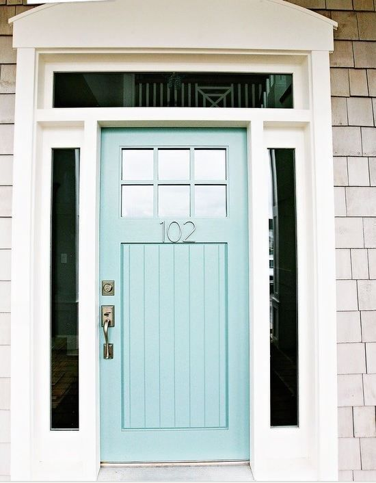 This site has 30+ front doors with their corresponding Benjamin Moore paint colors.