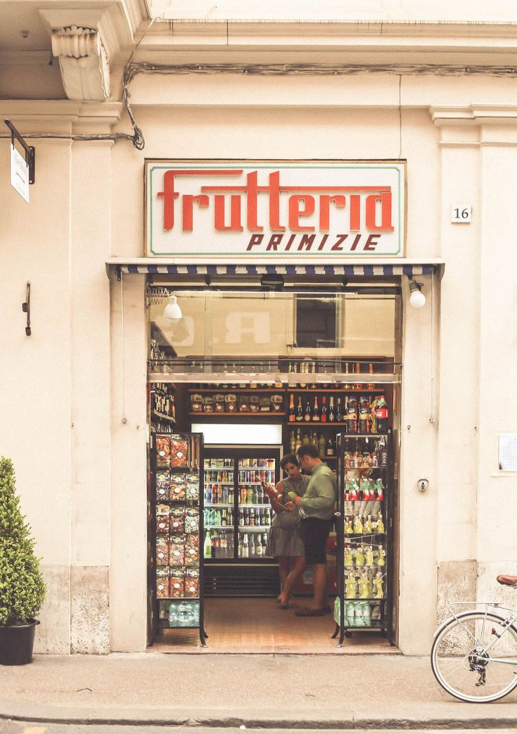 old sign grocery Rome travel blogger