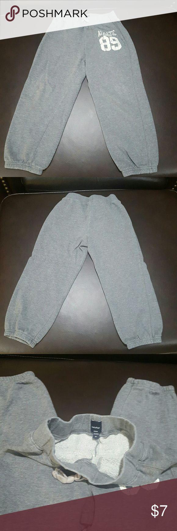 Athletic Fleece Pants Boys, gray athletic fleece pants. Gently used. babyGap  Bottoms Sweatpants & Joggers