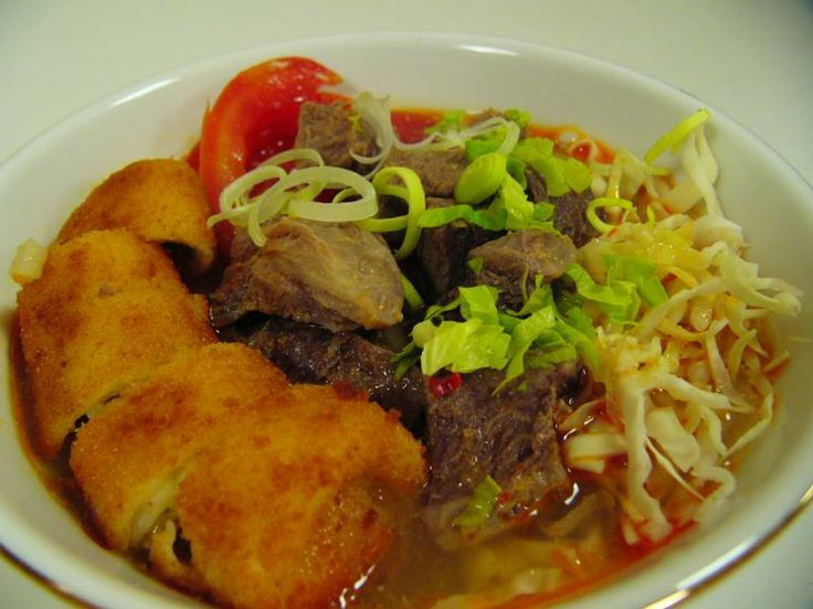 Soto Mie: Indonesians traditional food. Made of noodles, beef, and coconut milk for the sausage. Try this!  #Indonesian Food