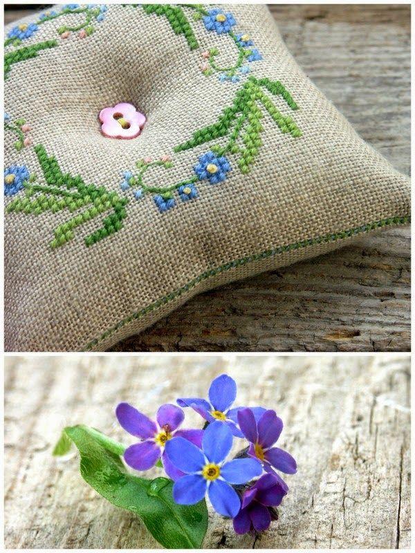 Cross Stitching Blue Flower Pincushion Summer Wreath Kreuzstich Blumenkranz Sommer Nadelkissen