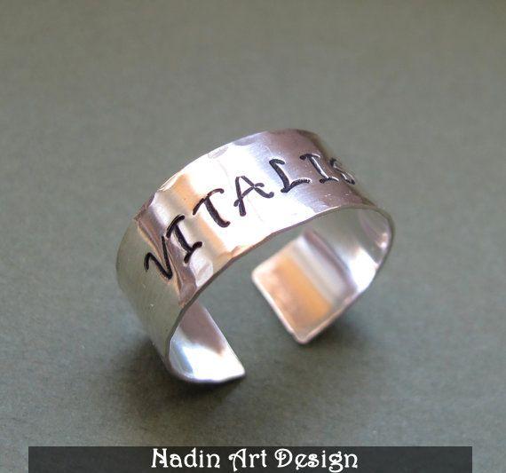 Sterling Silber Ring. Unisex Band Ring mit Gravur von NadinArtDesign auf DaWanda.com