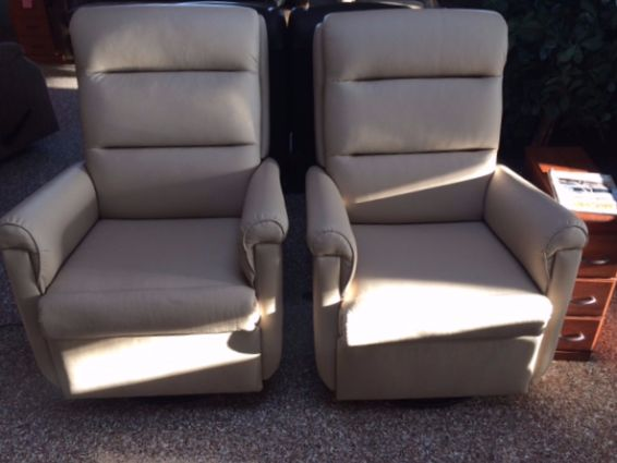 Lambright Comfort Chairs Lazy Relaxer Recliner Lambright RV Wallhugger Lambright RV furniture & Best 25+ Rv recliners ideas on Pinterest | Rv mods Caravan wheel ... islam-shia.org
