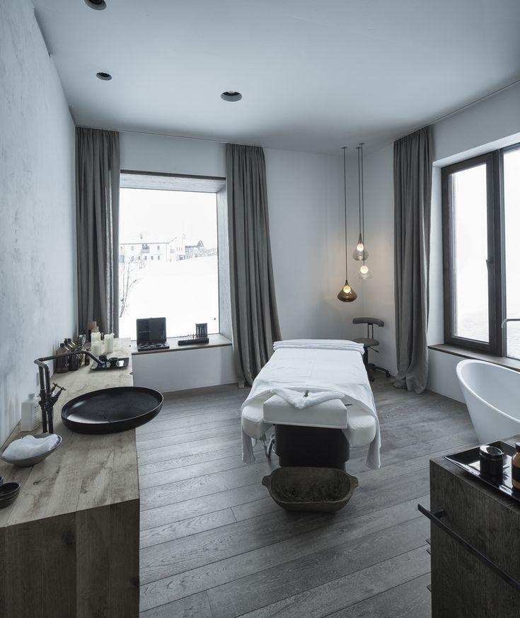 8ffa86866f0a3334bf2cadab0bc5db7f  massage table spa massage - Hotel Wiesergut by Gogl Architects