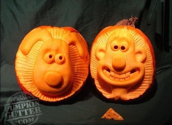 Not strictly Shaun the Sheep, but how cool are these Wallace and Gromit #halloween pumpkin carvings?!