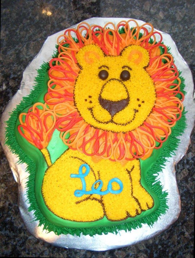 Lion Design Cake