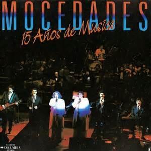 Desde 1969 el género de música coral en español fue monopolizado por el grupo Mocedades. En 1985 fue la celebración de XV años de carrera y despedida de Amaya Uranga con un concierto en el Teatro Alcalá de Madrid que fue grabado también en video. Es muy simpático ver hoy en día a un grupo de cantantes que no bailan, que no son jóvenes, que no son sexys, pero cuya calidad nunca pudo ser igualada por ningún otro grupo vocal.   http://youtu.be/ryqVW8UdPg4