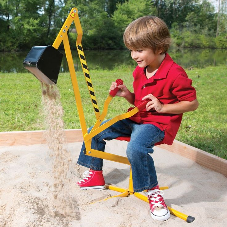 Scoop up a big mound of sand, pivot in any direction you like and dump it working in your sandbox with this your child's dream ride-on sand digger crane from Alex Toys!