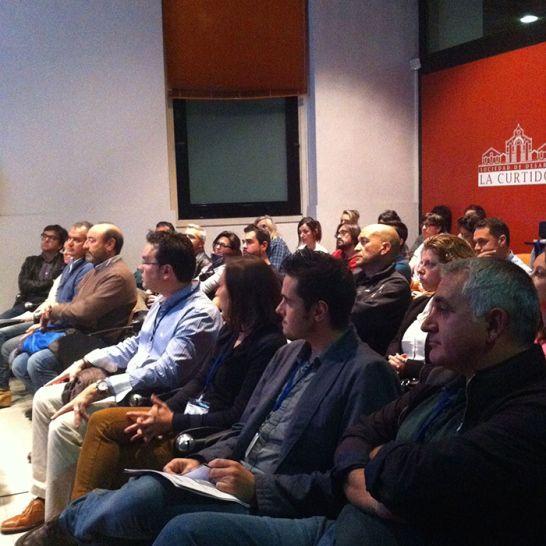 ¡Ya tenemos el resumen completo del 3 No More Suits Asturias! Community Manager Asturias, Ixuxuxuu, Sección de Promoción Empresarial del Ayuntamiento de Avilés, José Luis (Promoción Avilés), Víctor (Semilla Proyectos Internet), a Rocío (Red de Centros SAT) y a Pablo (Infofuturo), Zatopek Studio, Somosbase.com, Bleu Et Blanc e-shop, Barna Guitars y Vivobox Experiencias http://www.tintavisual.com/3-suits-asturias-networking-del-bueno/