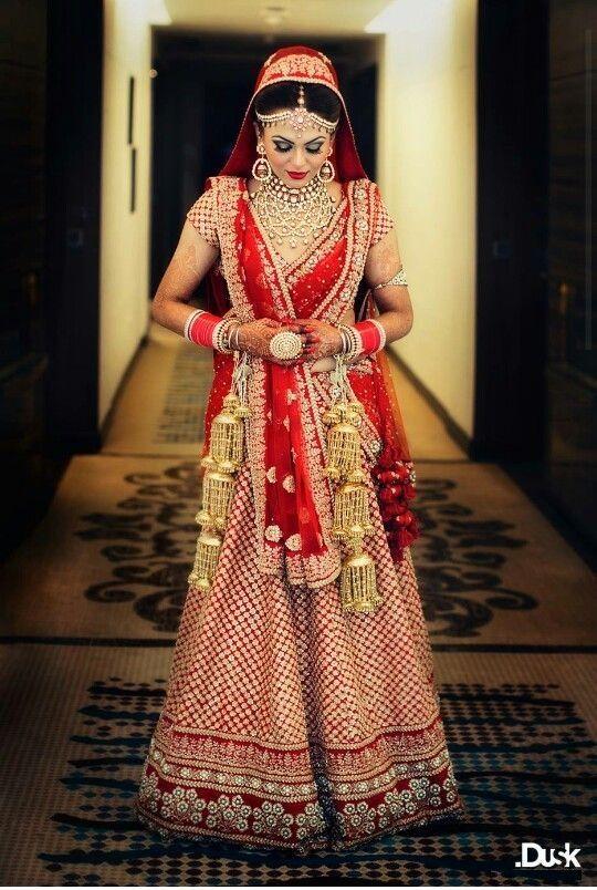 Lehenga Dupatta Draping Styles 8  Lehengas  Indian Wedding Lehenga, Indian Bridal, Bridal -8111