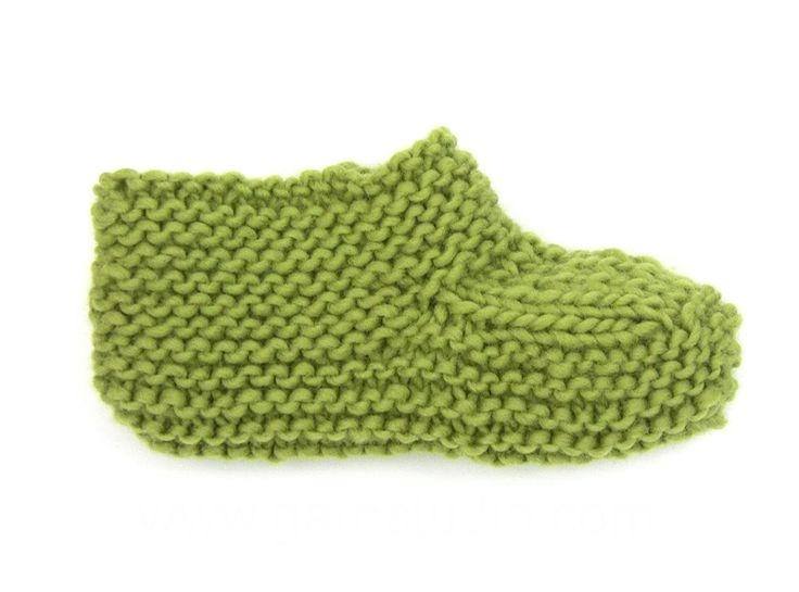 DROPS Knitting Tutorial: How to work the foot of the slippers in DROPS 1...