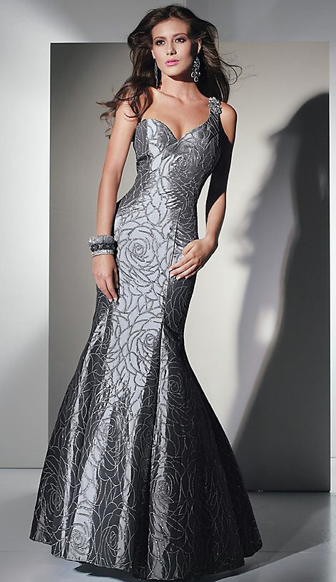 Fashion week Formal Silver dress pictures for woman